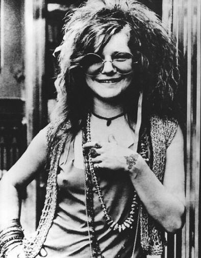 No one seems to have a color picture of janis joplin's wrist tattoo and